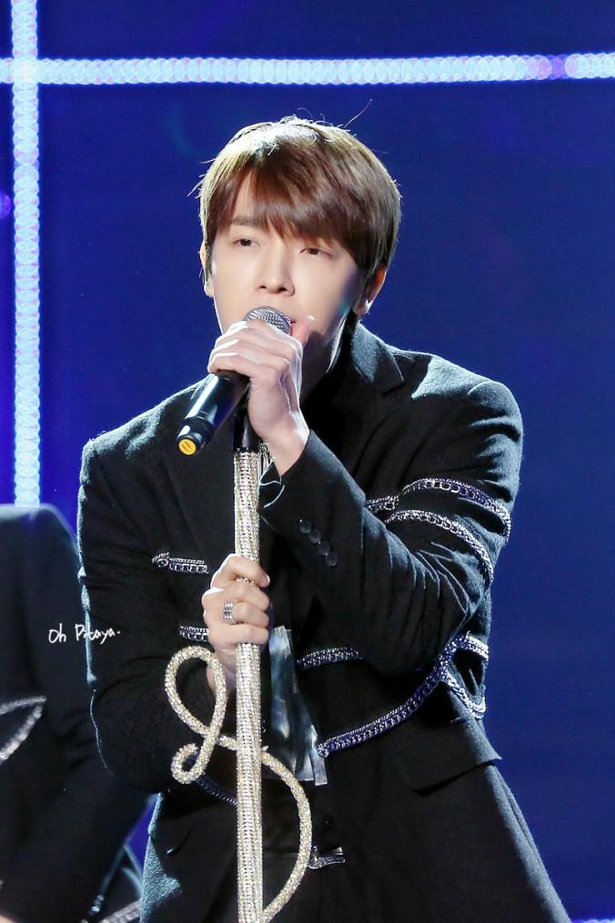 141231-JiangsuTV-Donghae-OhPitaya1